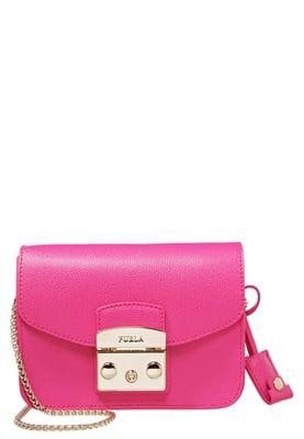 Sacs bandoulière Furla METROPOLIS - Sac bandoulière - pinky rose: 234,95 € chez Zalando (au 15/07/16). Livraison et retours gratuits et service client gratuit au 0800 915 207.