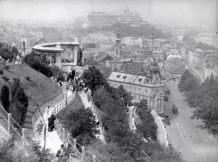 Budapest Budavári palota a Gellért-hegyről