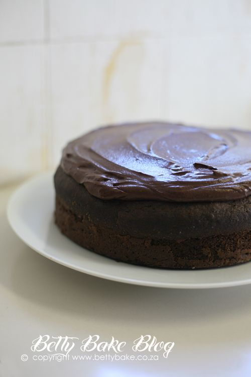 Chocolate Beetroot cake by Betty Bake @bettybakeblog
