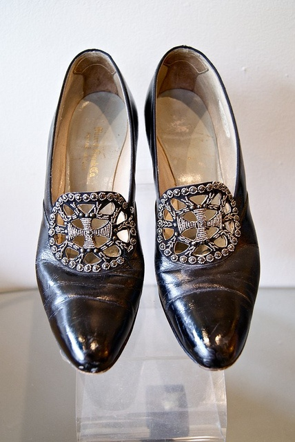 Size 7 1/2 beaded pumps...