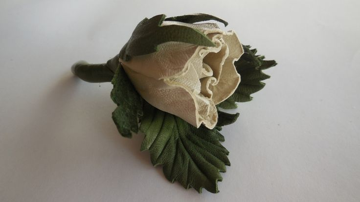 White leather Rozes w Lela Flowers na DaWanda.com