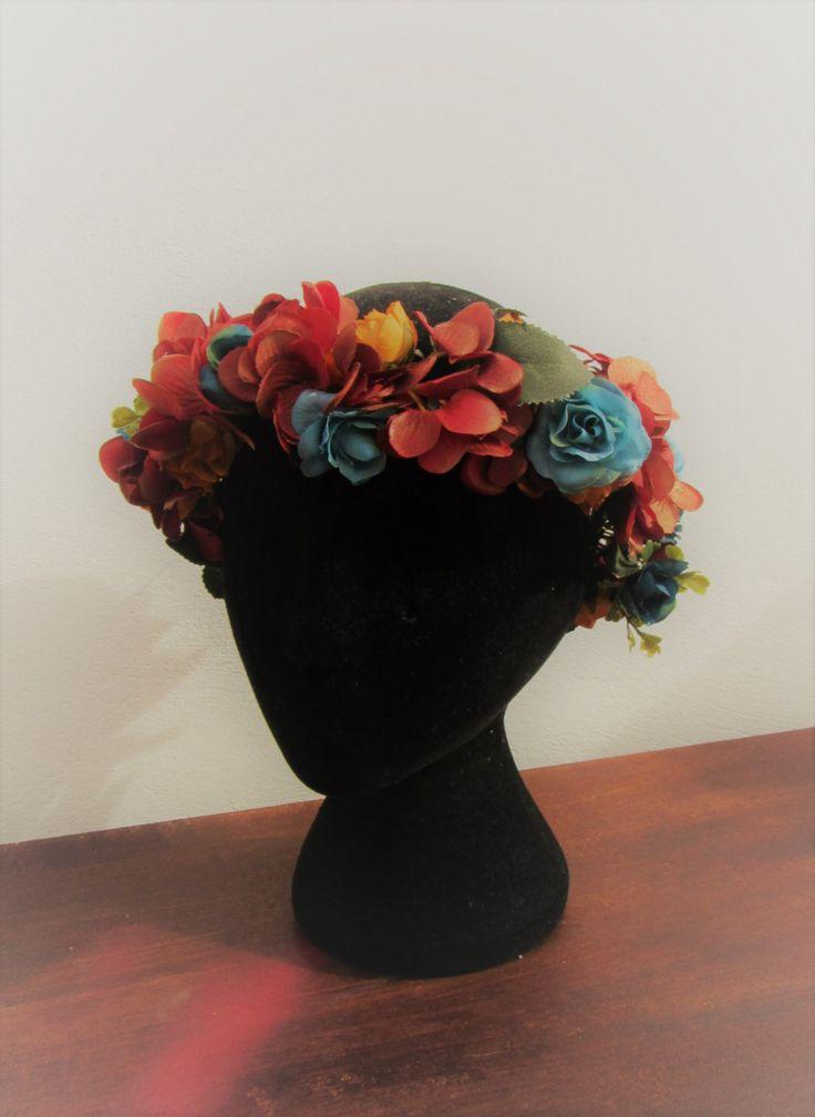 """Corona de flores """"Primavera"""" de AmimaneraTocados en Etsy"""