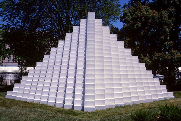 Four Sided Pyramid, 1999_ National Gallery of Art Washington