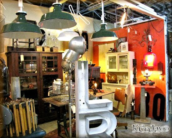 Downtown antique mall chairs lighting and nashville for Antique stores in nashville