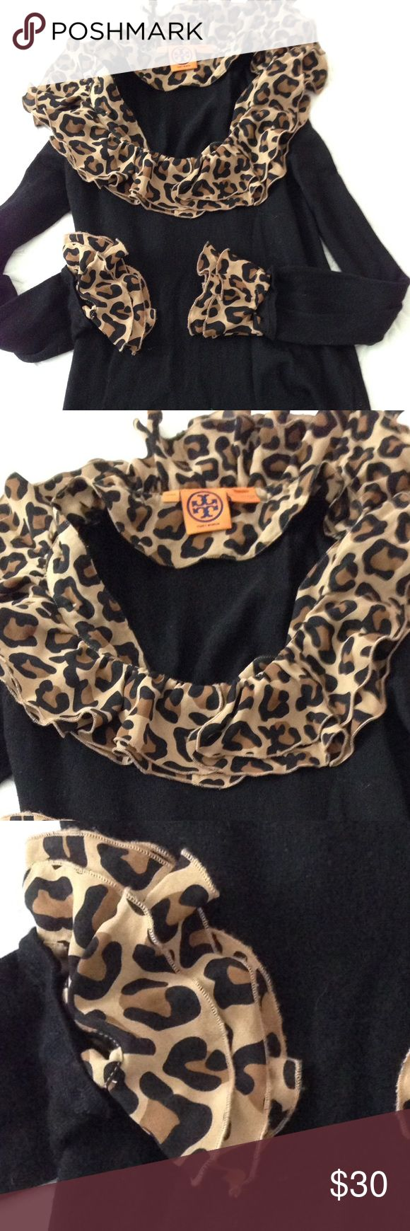 It's perfect ! Size m Sweater Tory burch Tory Burch Sweaters Crew & Scoop Necks