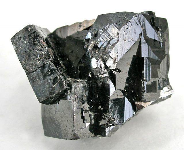 Magnetiet steen