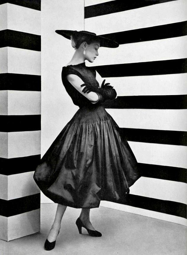 #yearofcolor Le style du taffetas noir  L'Officiel #361, 1952  Photographer: Philippe Pottier  Balenciaga, Spring 1952