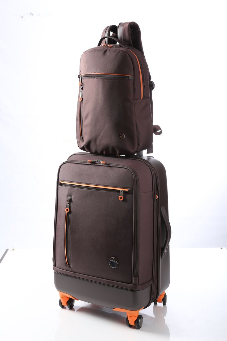 Vélez for Leather Lovers | Vélez Travel And Business Morral Ref: 1011479 Maleta Ref: 1011476