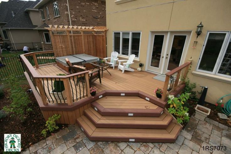 Medium size, mid-height, 1-level spa deck with pergola and privacy ...