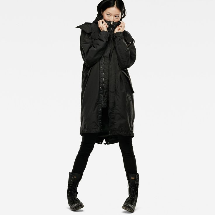 Inspired by a maritime piece from the G-Star archive, this dark fishtail parka features a relaxed, straight fit and a removable quilted liner that can be...