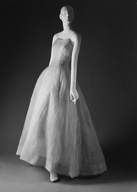 """""""Nuit de Rêve"""" Design House: House of Dior (French, founded 1947) Designer: Christian Dior (French, Granville 1905–1957 Montecatini) Date: spring/summer 1954 Culture: French Medium: (a) silk; (b) silk, nylon Dimensions: Length (a): 59 1/2 in. (151.1 cm) Length at CB (b): 52 1/2 in. (133.4 cm)"""