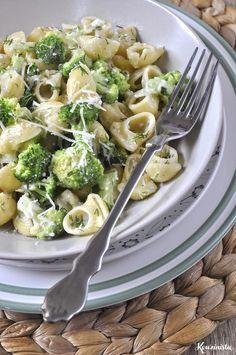 Κοχύλια με μπρόκολο & σάλτσα τυριών / Pasta shells with gorgonzola & broccoli