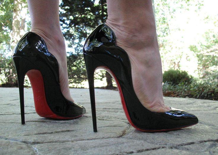 Christian Louboutin Hot Chick. Tacchi Close-Up #Heels # ...