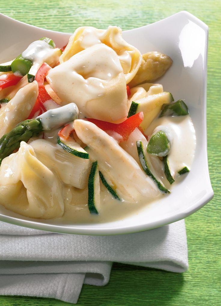 Spargel-Tortelloni-Pfanne - Würziges Spargelgemüse mit Tortelloni für den Mittagstisch