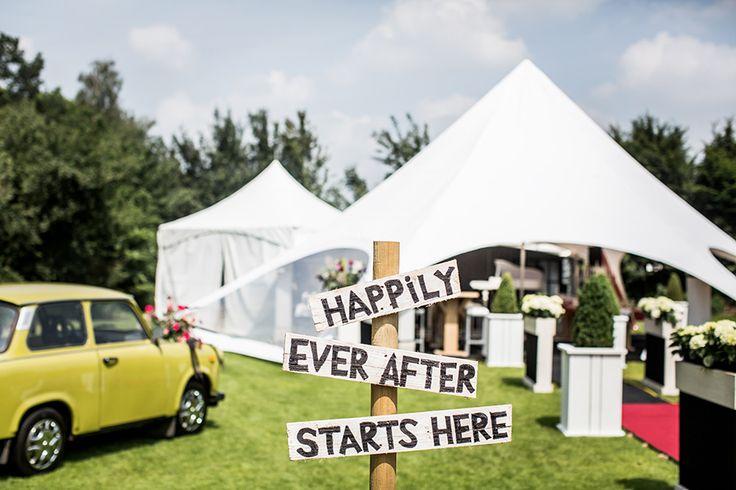 Decoratie bruiloft buiten #bruidsfotografie #bruidsfotograaf Dario Endara