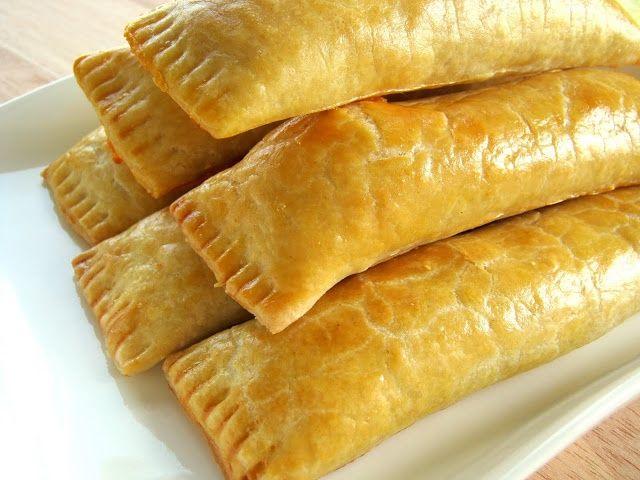 Μια συνταγή για υπέροχα ρολά τυριού με σπιτική ζύμη. Τα φημισμένα 'Guyanese' ρολά τυριού με την υπέροχη ζύμη που έχουν γίνει γνωστά σε όλο το κόσμο. Οδηγ