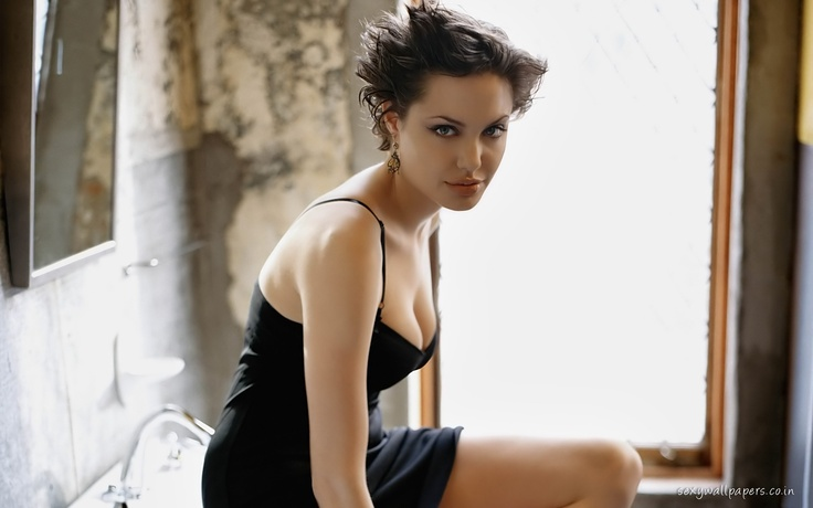 Angelina Jolie Short Hair High Quality Wallpapers