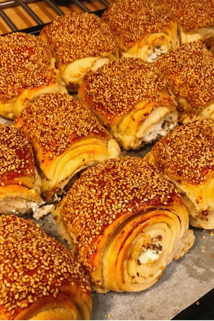 Susamlı Peynirli Rulo Poğaça (Simit Tadında) #susamlıpeynirlirulopoğaça #poğaçatarifleri #nefisyemektarifleri #yemektarifleri #tarifsunum #lezzetlitarifler #lezzet #sunum #sunumönemlidir #tarif #yemek #food #yummy