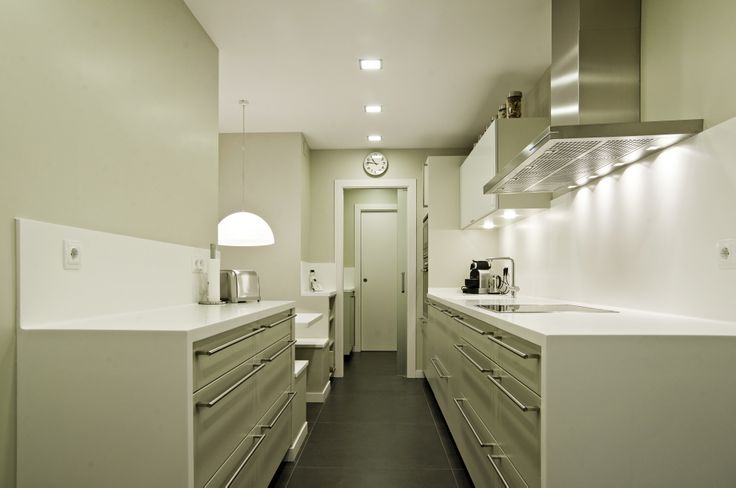 Santos kitchen white pearl silk matt lacquered karmel for Cocinas santos barcelona
