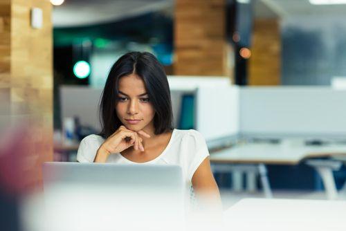 Eine Jobsuche kann eine Menge Zeit in Anspruch nehmen und mit zunehmender Dauer die Nerven strapazieren. Zeitmanagement kann helfen, die Bewerbungschancen zu steigern...