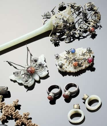 Traditional Korean jewelery and hair accessories primarily featuring Jade.