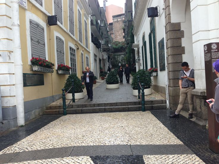 Macau... Pebble streets and Portuguese tarts. What can I say... I love this place!