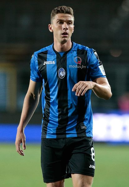 Robin Gosens of Atalanta BC looks on during the pre-season friendly match between Atalanta BC and LOSC Lille at Stadio Atleti Azzurri d'Italia on July 26, 2017 in Bergamo, Italy.