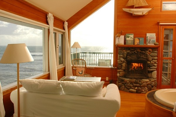 Sooke Harbour House on Vancouver Island: Spaces, Vancouver Islands, Favorite Places, Harbor Houses, Travel Canada, Sook Harbour Houses Islands, Canada British, British Columbia, Hotels