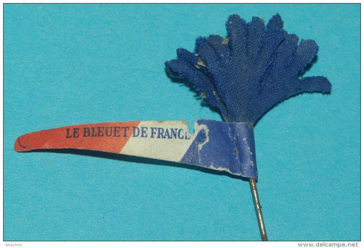 INSIGNE LE BLEUET DE FRANCE 1916 Tissu et papier journal