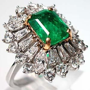 Vintage Natural Emerald & Diamond Ring | More here: http://mylusciouslife.com/bling-fling-engagement-ring-pictures/