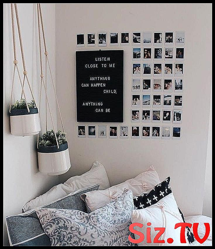 Tumblr Room Bedroom Desk Minimalist Minimalism Aes Aesthetic Bedroom Black Desk Dre Dream Grunge Minima Minimalist Room Cute Dorm Rooms Dorm Room Decor A collection of beautiful dorm and bedroom pictures, hope to give you some decor inspiration! pinterest
