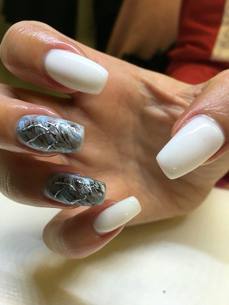 Vita naglar med mosaic gelé!!