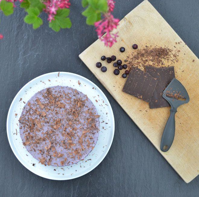 Glutenfree blueberrycake with caramelnut crust