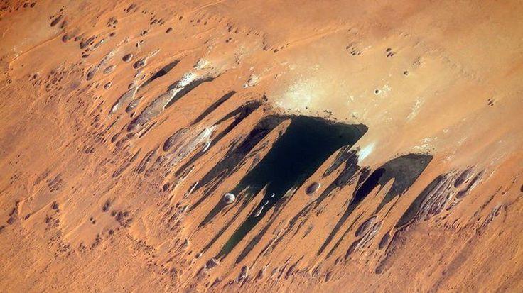 «Coup de griffe artistique dans le désert, vers le Tchad». Le 11 mai 2017.