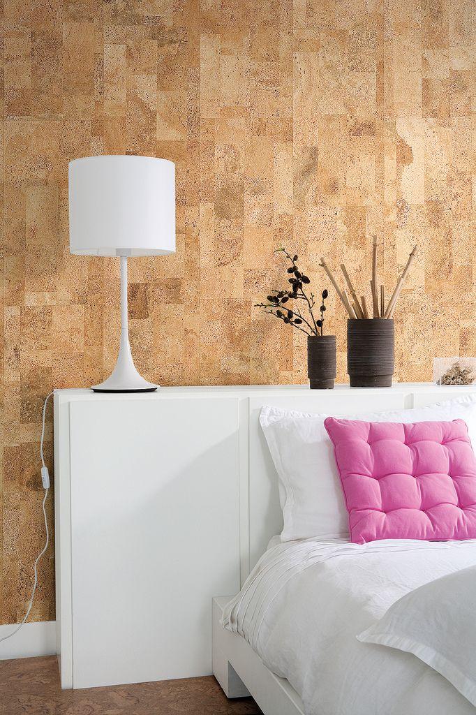 Wandkurk Merida naturel om een mooie accent muur achter het bed van te maken. Referentie kan u terug vinden op kurk.be