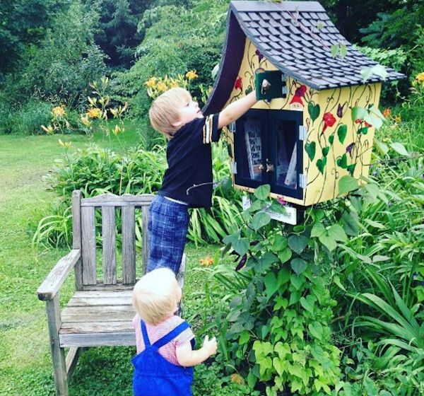8 Gorgeous Little Free Libraries Inspired by the Natural World - Shareable