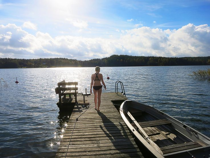 near Tenala.. somewhere between Turku and Helsinki.. the sea in Finland in September/October.. Cold bath after sauna (by Savier)