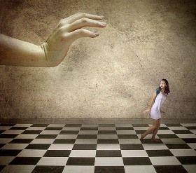 5 jednoduchých fráz, ktoré ľudia používajú, aby vás manipulovali | CEZ OKNO