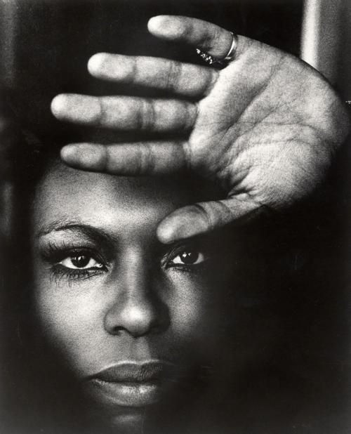 Roberta Flack.  Song:  Killin' Me Softly.  I like the Lauryn Hill version too, but this is the quintessential version.
