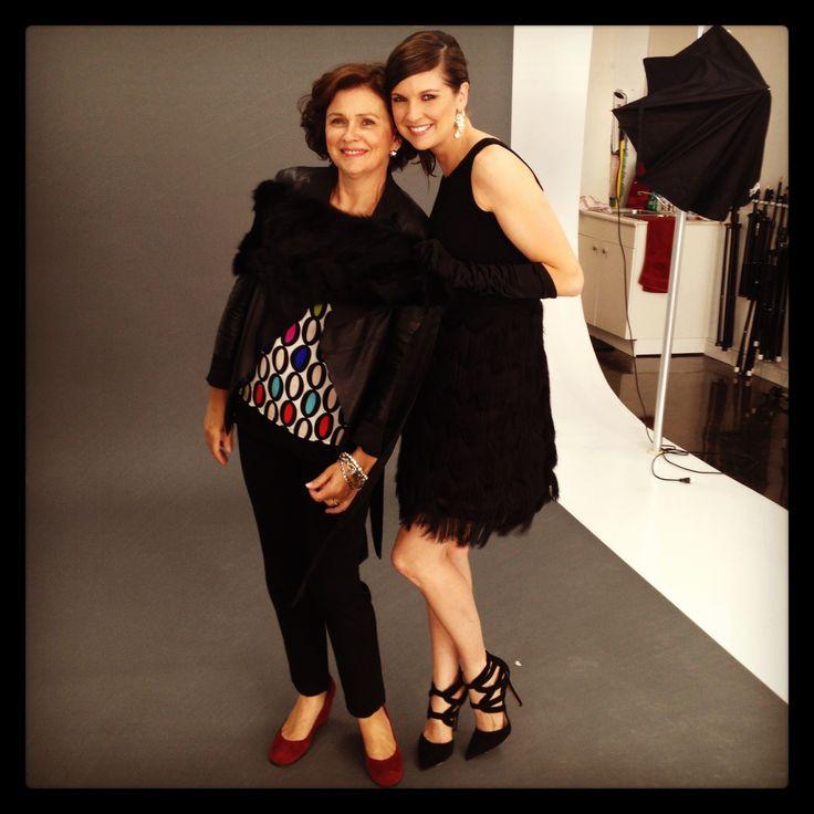 Photoshoot: 14 ans, 14 stylistes, 14 looks fait au Canada  /  Stylisme: Doris Harvey  /  Mannequin:  Kate -Specs  /  Robe:Dinh Ba Design Étole de fourrure: Harricana