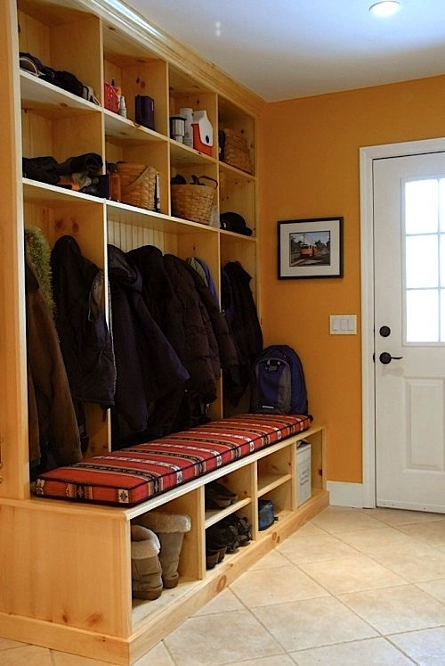 Mudrooms With Windows Mudroom With Cushioned Bench Home Decor Mudrooms Pinterest Home