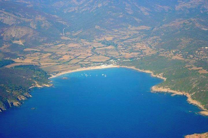 Corsica - Golfe --- Sagone Le golfe de Sagone (en langue corse golfu di Saone) est un golfe de la mer Méditerranée qui se situe en Corse.