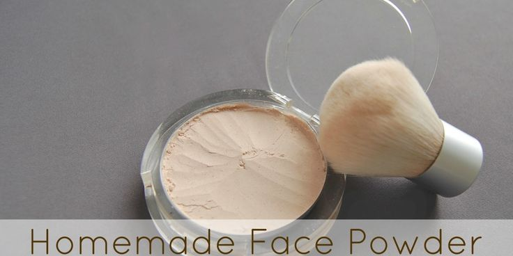 Homemade Face Powder - Making your own is so easy! I love that it costs practically nothing to make too! Saves so much money!