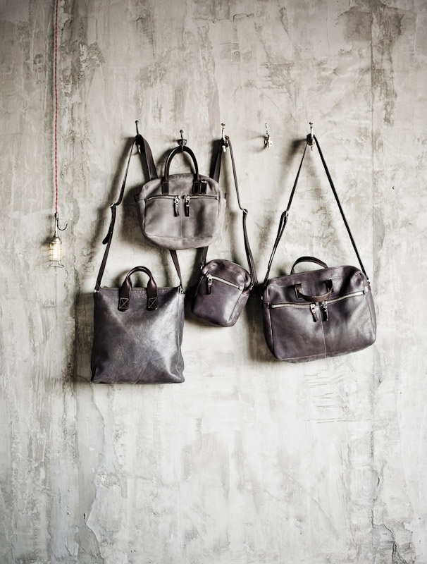 #m0851, 25years | Leather Shopping Bag badsh51, Medium Leather Bag badhh12, Small Leahter Bag badci70, Leather Travel Bag badtr30 | Fall 2012 / Winter 2013 www.m0851.com/home/