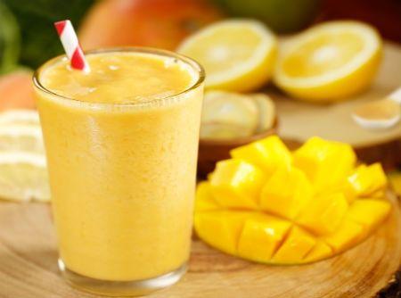 Receita de Smoothie de Manga - manga, banana, iogurte natural, suco de laranja, gelo