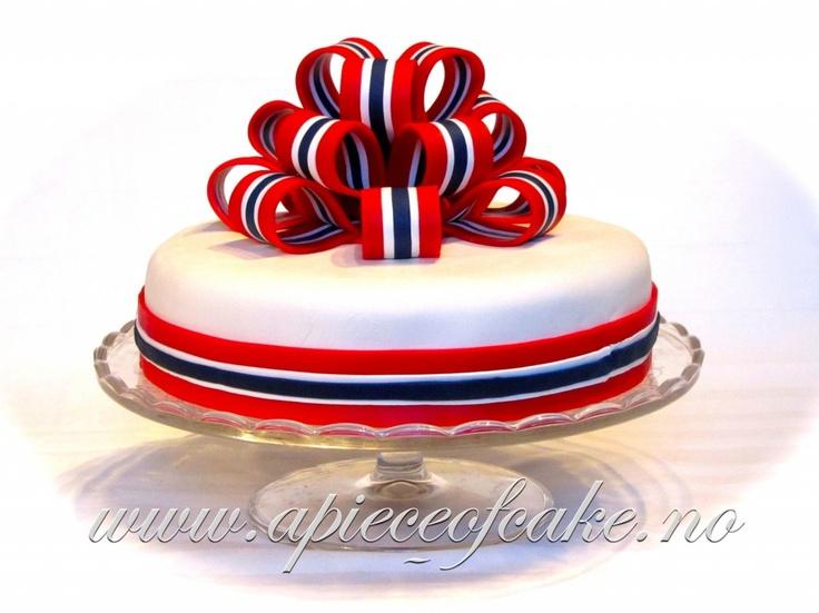 Sløyfekake i rødt, hvitt og blått (apieceofcake)