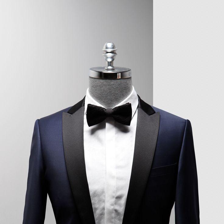 Smokin şıklığınızda laciverte yer açmaya ne dersiniz?  #Ramsey #smokin #papyon  #fashion #cool #model#style #swag #fashioninstagram #trends #instablogger #trendy #casual #look #instastyle #styling #moda #fashionstyle #menfashion #menstyle #suit #gömlek #moda #erkekmodasi #clothes #man #men