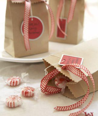 So simple and sweet!: Gift Bags, Brown Paper Bags, Treats Bags, Gifts Bags, Gifts Ideas, Packaging, Brown Bags, Christmas, Gifts Wraps