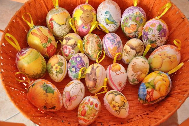 Punto croce e delizie...: Uova di Pasqua (tecnica decoupage) varie misure