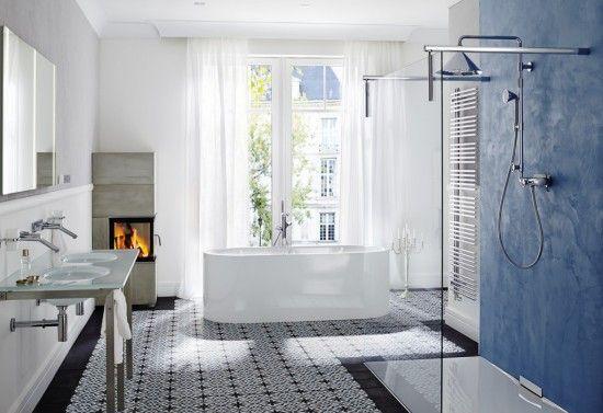 Kafle cementowe  Articima nr 455 w stylowej łazience. Jako border wykorzystano płytki cementowe Articima  jednobarwne czarne M7. Płytki ułożono bezfugowo - pomimo tego, że jest to łazienka.